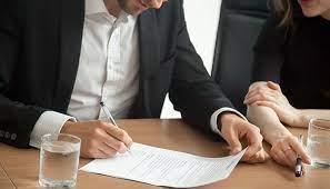 contacter un avocat et un specialiste financier