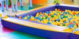 avantages piscine a balles gonflables
